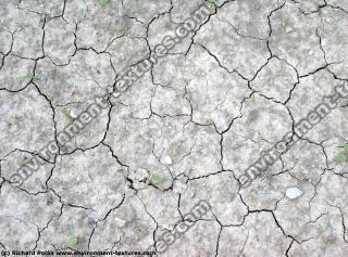 soil cracky