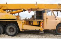 vehicle crane old 0023